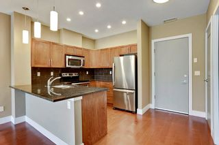 Photo 5: 216 45 Street NW in Montgomery Place: Apartment for sale : MLS®# C4018514
