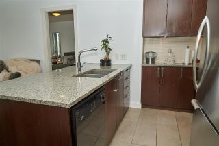 """Photo 5: 704 2978 GLEN Drive in Coquitlam: North Coquitlam Condo for sale in """"Grand Central One"""" : MLS®# R2379022"""
