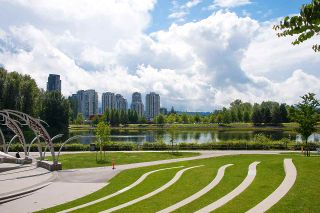 """Photo 29: 2301 3007 GLEN Drive in Coquitlam: North Coquitlam Condo for sale in """"Evergreen"""" : MLS®# R2558323"""