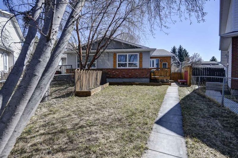 FEATURED LISTING: 187 Deerview Way Southeast Calgary