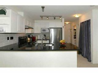 """Photo 7: 319 738 E 29TH Avenue in Vancouver: Fraser VE Condo for sale in """"CENTURY"""" (Vancouver East)  : MLS®# V1051904"""