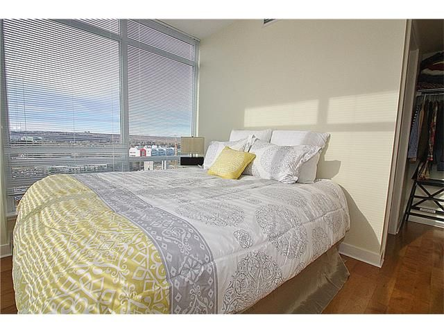 Photo 12: Photos: 1305 3830 BRENTWOOD Road NW in Calgary: Brentwood_Calg Condo for sale : MLS®# C4037340