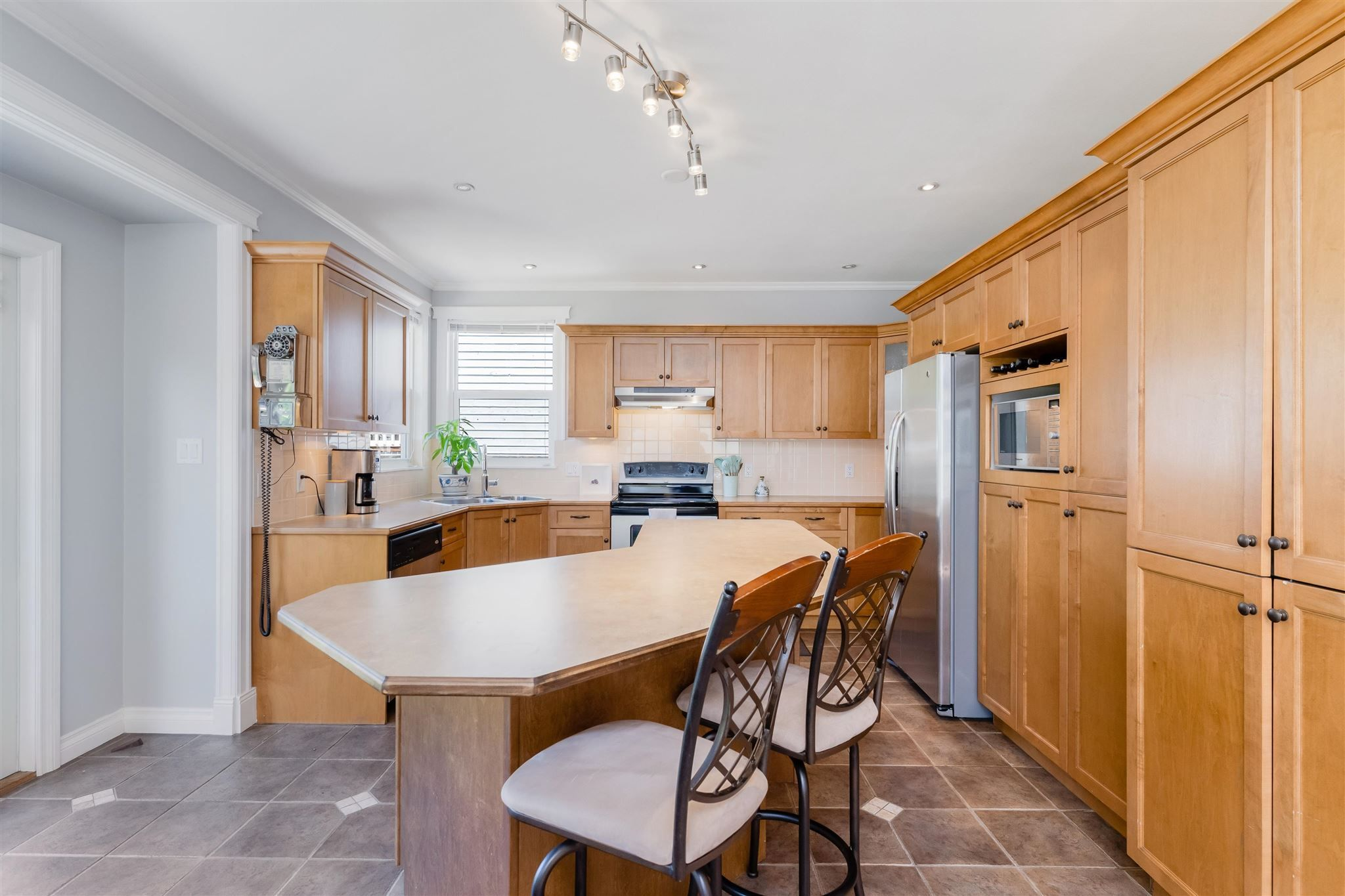 Photo 9: Photos: 412 FIFTH STREET in New Westminster: Queens Park House for sale : MLS®# R2594885