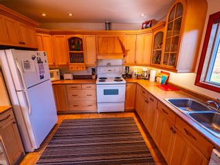 Photo 9: 212 Albion Cres in Ucluelet: PA Ucluelet House for sale (Port Alberni)  : MLS®# 872563