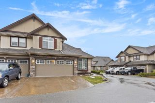 """Photo 3: 37 6577 SOUTHDOWNE Place in Chilliwack: Sardis East Vedder Rd Townhouse for sale in """"HARVEST SQUARE"""" (Sardis)  : MLS®# R2540077"""