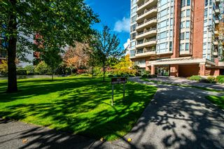 """Photo 34: 1001 160 W KEITH Road in North Vancouver: Central Lonsdale Condo for sale in """"VICTORIA PARK WEST"""" : MLS®# R2115638"""