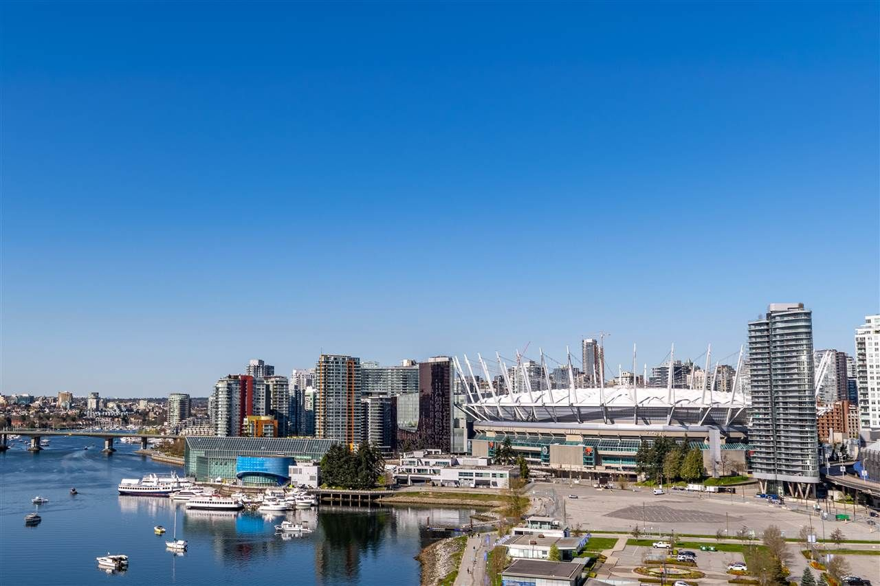 """Photo 2: Photos: 1605 120 MILROSS Avenue in Vancouver: Downtown VE Condo for sale in """"THE BRIGHTON BY BOSA"""" (Vancouver East)  : MLS®# R2568798"""