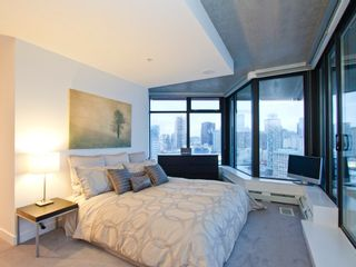 """Photo 4: 2910 128 W CORDOVA Street in Vancouver: Downtown VW Condo for sale in """"WOODWARDS"""" (Vancouver West)  : MLS®# V987819"""