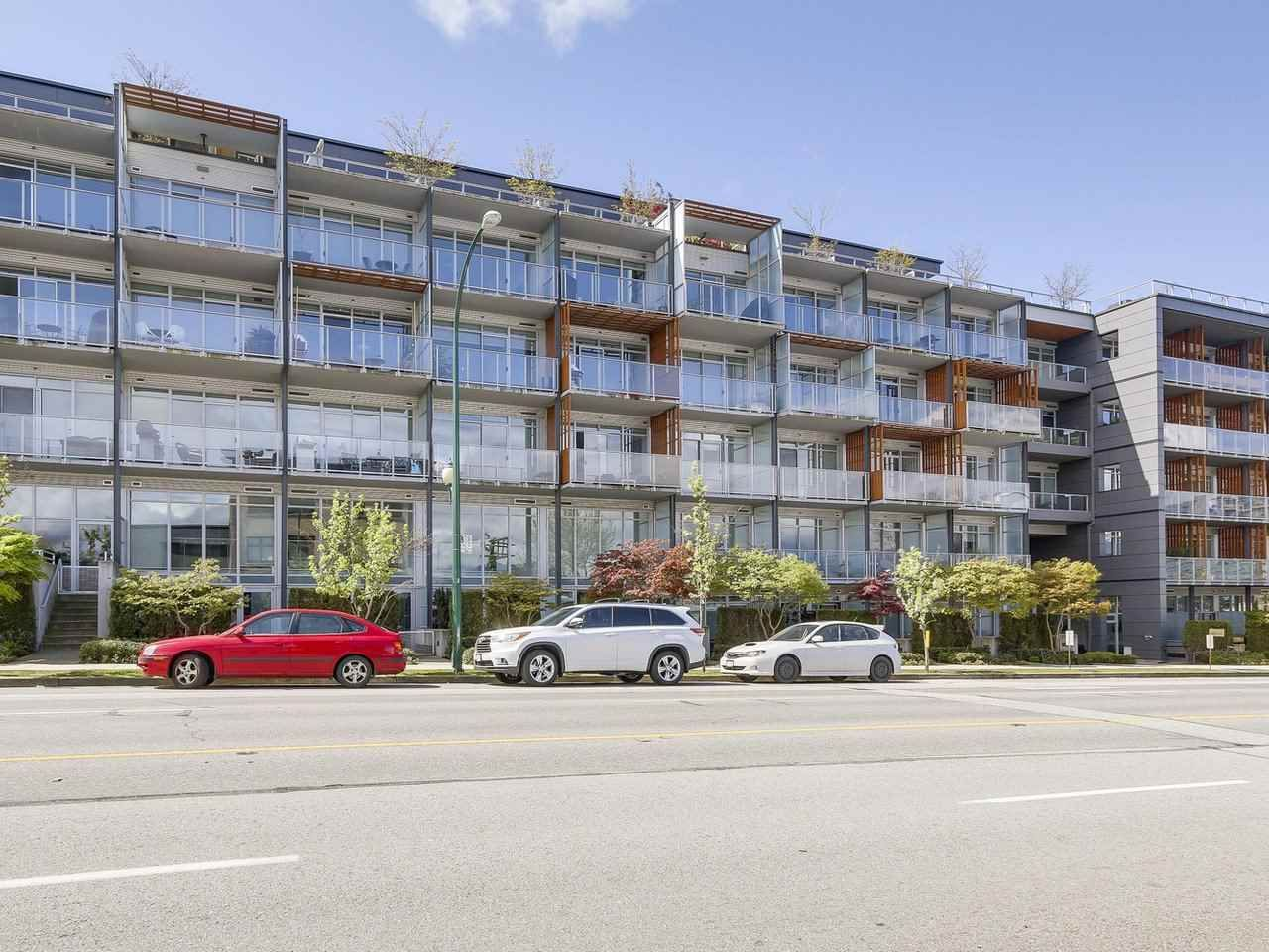 """Main Photo: 522 256 E 2ND Avenue in Vancouver: Mount Pleasant VE Condo for sale in """"JACOBSEN"""" (Vancouver East)  : MLS®# R2161219"""