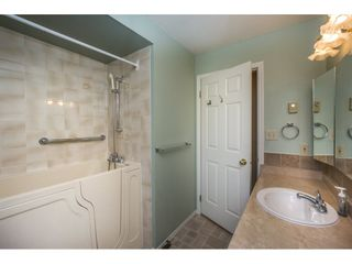 """Photo 13: 48 32691 GARIBALDI Drive in Abbotsford: Abbotsford West Townhouse for sale in """"Carriage Lane"""" : MLS®# R2096442"""