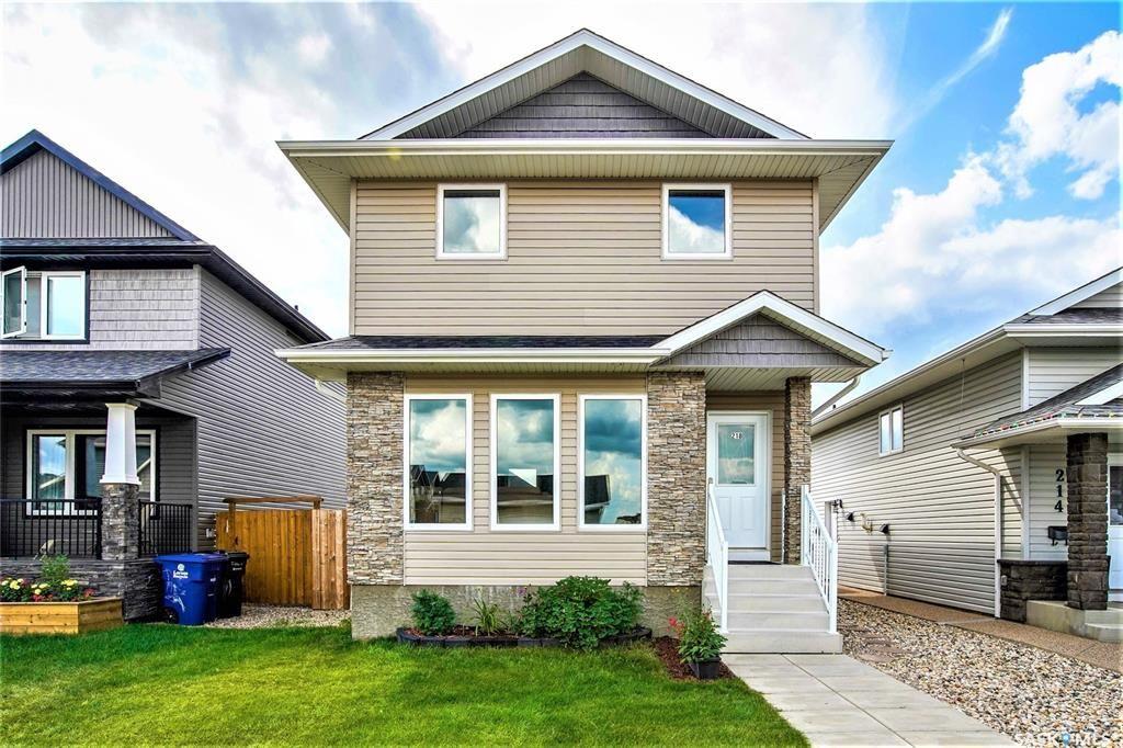 Main Photo: 218 Veltkamp Lane in Saskatoon: Stonebridge Residential for sale : MLS®# SK818098