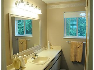 Photo 7: 2602 LAURALYNN Drive in North Vancouver: Westlynn House for sale : MLS®# V1139474