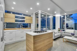 """Photo 3: 304 1228 W HASTINGS Street in Vancouver: Coal Harbour Condo for sale in """"Palladio"""" (Vancouver West)  : MLS®# R2594596"""