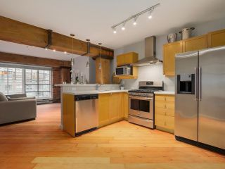 "Photo 1: 309 1178 HAMILTON Street in Vancouver: Yaletown Condo for sale in ""THE HAMILTON"" (Vancouver West)  : MLS®# R2086797"