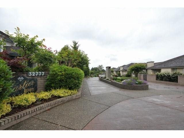 "Photo 2: Photos: 81 32777 CHILCOTIN Drive in Abbotsford: Central Abbotsford Townhouse for sale in ""CARTIER HEIGHTS"" : MLS®# F1315030"