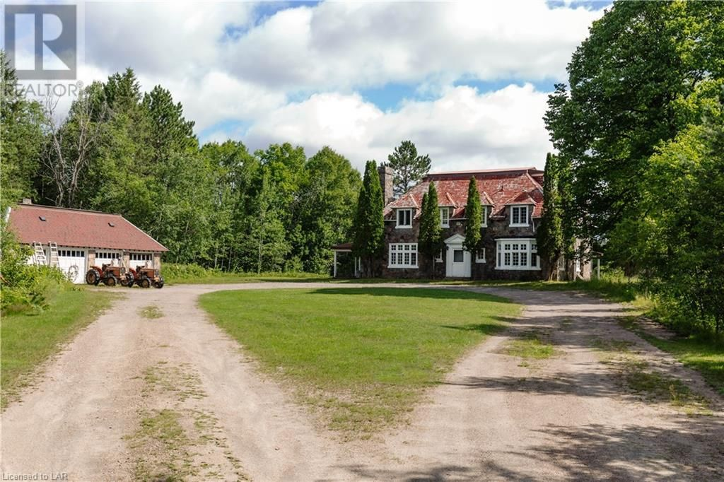 Main Photo: 996 CHETWYND Road in Burk's Falls: Other for sale : MLS®# 40131884