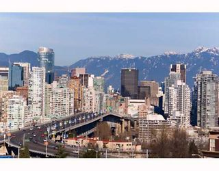 """Photo 2: 906 1650 W 7TH Avenue in Vancouver: Fairview VW Condo for sale in """"VIRTU"""" (Vancouver West)  : MLS®# V748830"""
