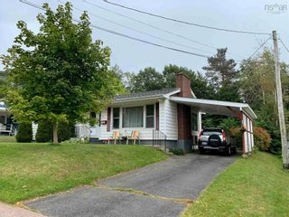 Photo 3: 32 James Street in Kentville: 404-Kings County Residential for sale (Annapolis Valley)  : MLS®# 202124094