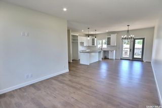 Photo 4: 3040 Lakeview Drive in Prince Albert: SouthHill Residential for sale : MLS®# SK856595