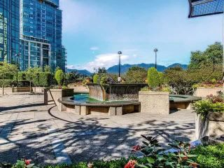 "Photo 27: 305 588 BROUGHTON Street in Vancouver: Coal Harbour Condo for sale in ""Harbourside Park Tower I"" (Vancouver West)  : MLS®# R2575984"