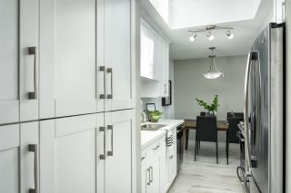 """Photo 2: 304 230 MOWAT Street in New Westminster: Uptown NW Condo for sale in """"Hillpointe"""" : MLS®# R2380304"""