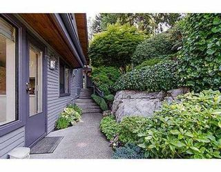 """Photo 16: 5257 ASPEN Crescent in West Vancouver: Upper Caulfeild Townhouse for sale in """"SAHALEE"""" : MLS®# V1023681"""