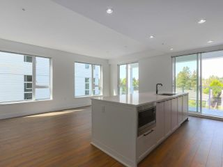 """Photo 4: 307 6933 CAMBIE Street in Vancouver: Cambie Condo for sale in """"MOSAIC CAMBRIA PARK"""" (Vancouver West)  : MLS®# R2379345"""