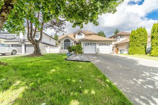 Photo 2: 9031 156A Street in Surrey: Fleetwood Tynehead House for sale : MLS®# R2615984