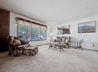 Photo 4: 216 Whitewood Place NE in Calgary: Whitehorn Detached for sale : MLS®# A1116052