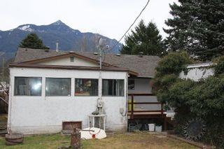 Photo 16: 524 HEMLOCK Avenue in Hope: Hope Center House for sale : MLS®# R2351400