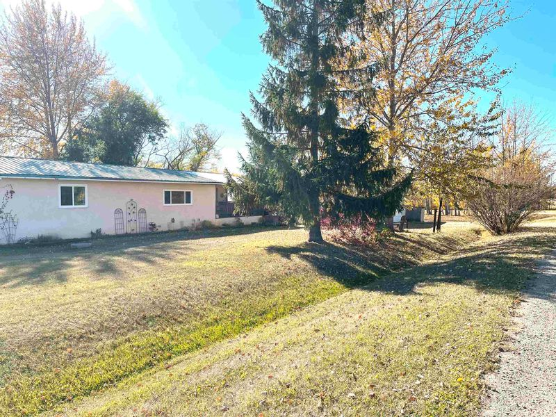 FEATURED LISTING: 5007 51 Street Egremont