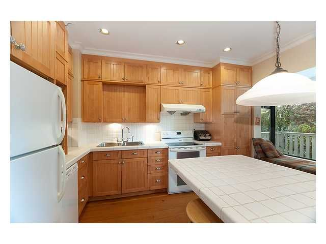 Photo 5: Photos: 3668 W 2ND Avenue in Vancouver: Kitsilano House for sale (Vancouver West)  : MLS®# V894204