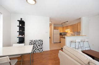"""Photo 14: 211 2768 CRANBERRY Drive in Vancouver: Kitsilano Condo for sale in """"ZYDECO"""" (Vancouver West)  : MLS®# R2598396"""