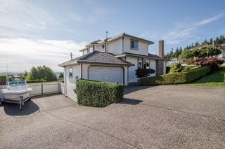 """Photo 3: 670 CLEARWATER Way in Coquitlam: Coquitlam East House for sale in """"Lombard Village- Riverview"""" : MLS®# R2218668"""