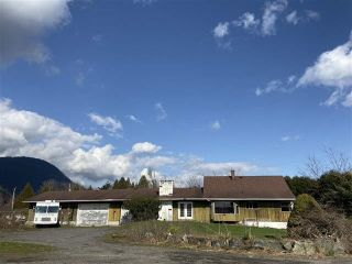 Photo 1: 3593 MCDERMOTT Road in Abbotsford: Abbotsford East House for sale : MLS®# R2525194