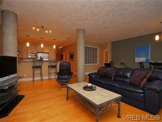 Photo 2: 116 5316 Sayward Hill Cres in VICTORIA: SE Cordova Bay Condo for sale (Saanich East)  : MLS®# 593691