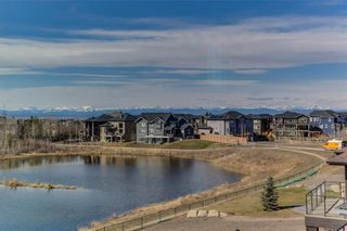 Photo 5: 152 ROCK LAKE View NW in Calgary: Rocky Ridge Detached for sale : MLS®# A1062711