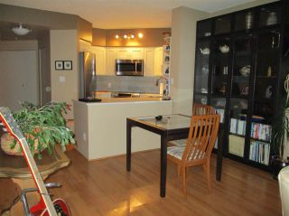 Photo 3: 1801 907 BEACH AVENUE in Vancouver: Yaletown Condo for sale (Vancouver West)  : MLS®# R2363755