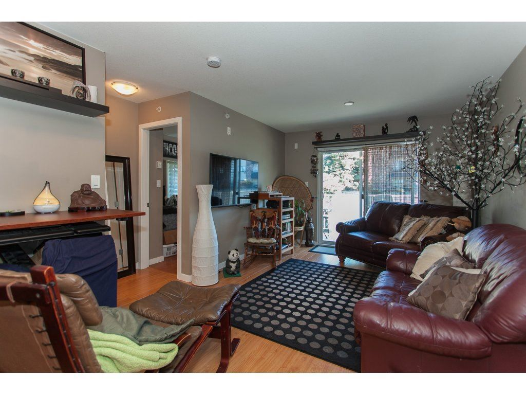 """Photo 9: Photos: 412 33960 OLD YALE Road in Abbotsford: Central Abbotsford Condo for sale in """"Old Yale Heights"""" : MLS®# R2241666"""