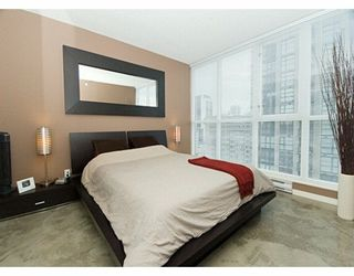 """Photo 5: 1199 SEYMOUR Street in Vancouver: Downtown VW Condo for sale in """"BRAVA"""" (Vancouver West)  : MLS®# V625814"""
