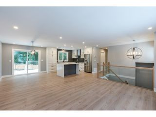 """Photo 3: 20504 43 Avenue in Langley: Brookswood Langley House for sale in """"BROOKSWOOD"""" : MLS®# R2430044"""