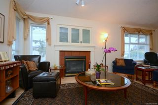 Photo 2: 31 300 Six Mile Rd in : VR Six Mile Row/Townhouse for sale (View Royal)  : MLS®# 719798