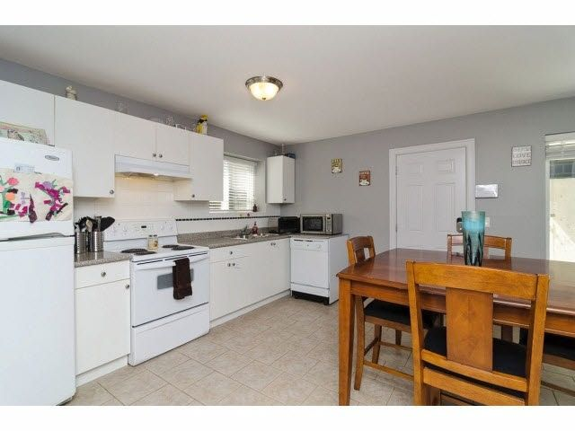 Photo 18: Photos: 6303 167B Street in Surrey: Cloverdale BC House for sale (Cloverdale)  : MLS®# R2123835