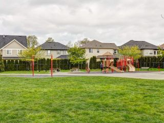 "Photo 18: 19627 72A Avenue in Langley: Willoughby Heights House for sale in ""Mountain View Estates"" : MLS®# F1438102"