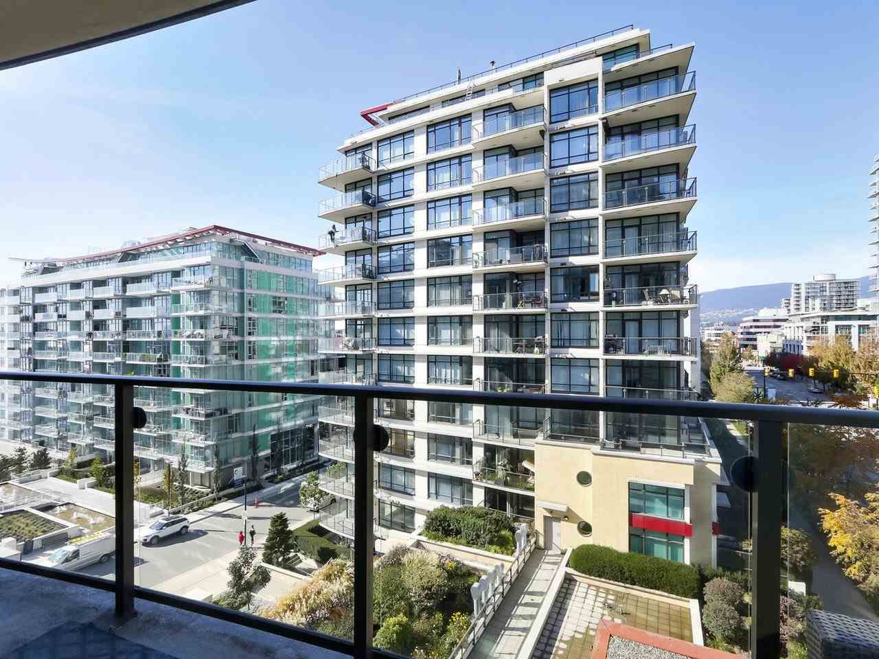 """Photo 17: Photos: 608 172 VICTORY SHIP Way in North Vancouver: Lower Lonsdale Condo for sale in """"Atrium at the Pier"""" : MLS®# R2454404"""