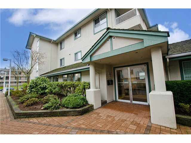 """Photo 2: Photos: 106 15272 20TH Avenue in Surrey: King George Corridor Condo for sale in """"Windsor Court"""" (South Surrey White Rock)  : MLS®# F1429895"""