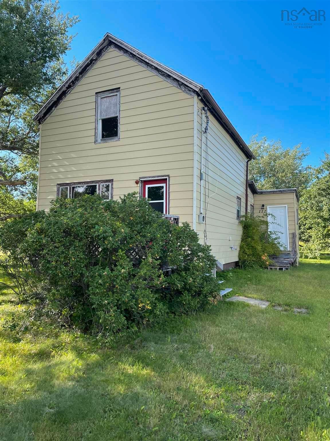 Photo 5: Photos: 112 holland Street in Reserve Mines: 203-Glace Bay Residential for sale (Cape Breton)  : MLS®# 202120364
