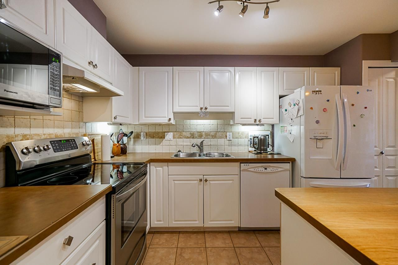 """Main Photo: 410 211 TWELFTH Street in New Westminster: Uptown NW Condo for sale in """"Discovery Reach"""" : MLS®# R2405587"""