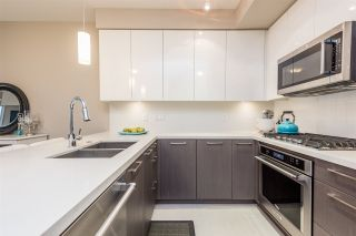 """Photo 4: 326 22 E ROYAL Avenue in New Westminster: Fraserview NW Condo for sale in """"THE LOOKOUT"""" : MLS®# R2139153"""