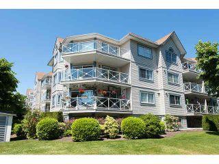 """Photo 1: 509 12101 80TH Avenue in Surrey: Queen Mary Park Surrey Condo for sale in """"SURREY TOWN MANOR"""" : MLS®# F1443181"""